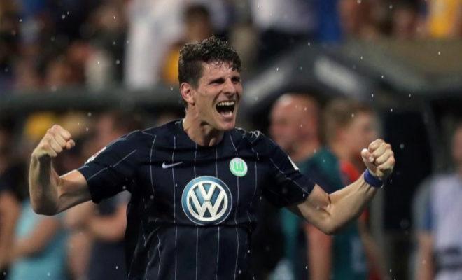 Mario Gómez, durante un partido con el Wolfsburgo.