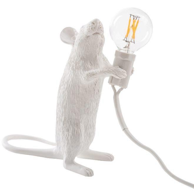 Entre las lámparas del 'stock' se pueden encontrar estas de graciosos...