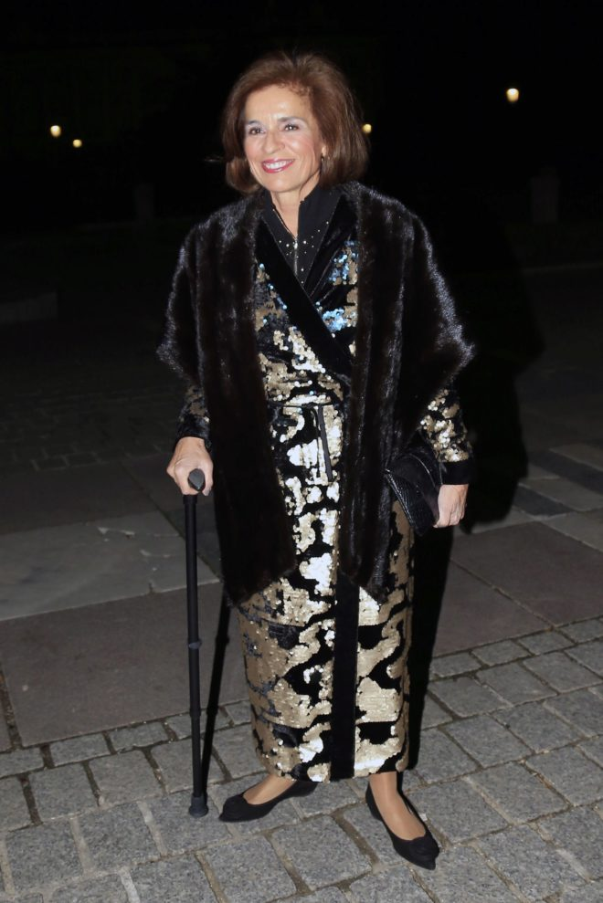 feliz abuela Ana alcaldía de Botella fuera asesora Madrid y de la wqIfCI