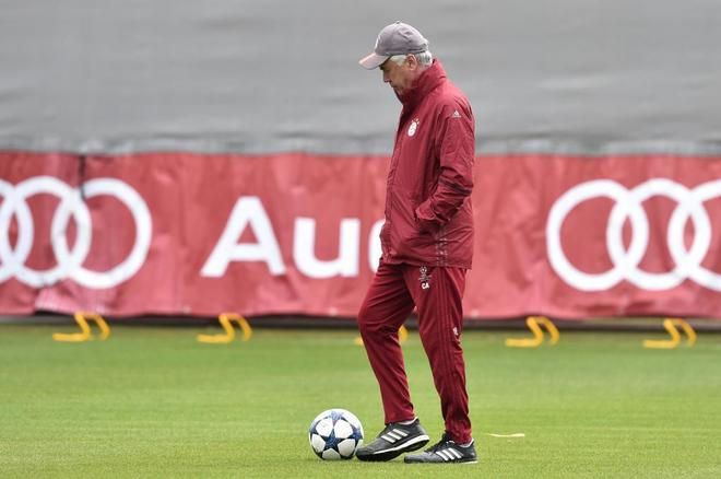 Ancelotti, durante un entrenamiento del Bayern.