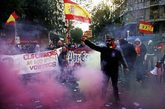 Concentración de extrema derecha en Barcelona ante la sede de la CUP