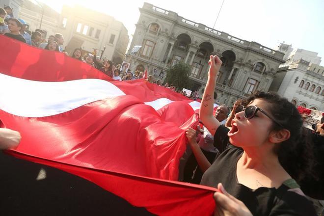 Marchas en Lima contra el indulto de Kuczynski.