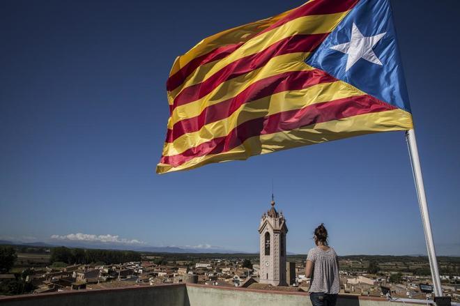 El 'procés' ya está frenando  la economía catalana: caen la compra de viviendas, el turismo y el empleo
