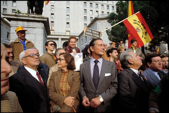 Carmen y su marido, Cristóbal, en el centro de la imagen, en una...