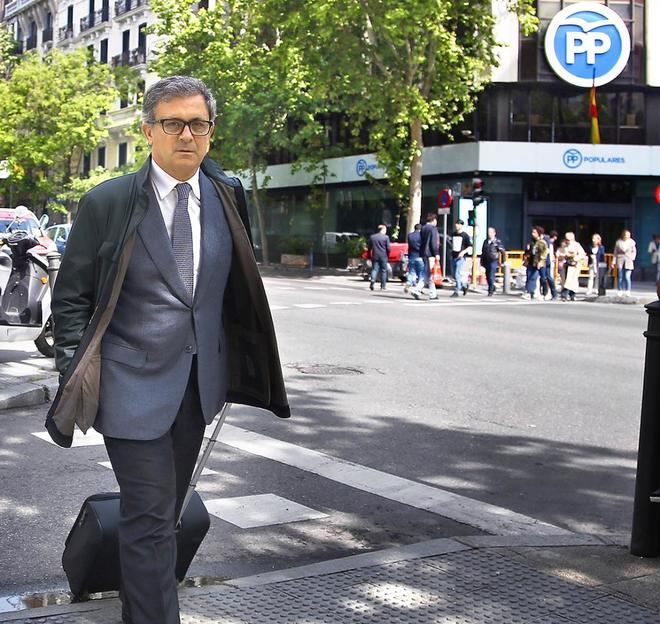 Jordi Pujol Ferrusola, camino de la Audiencia Nacional el pasado abril.