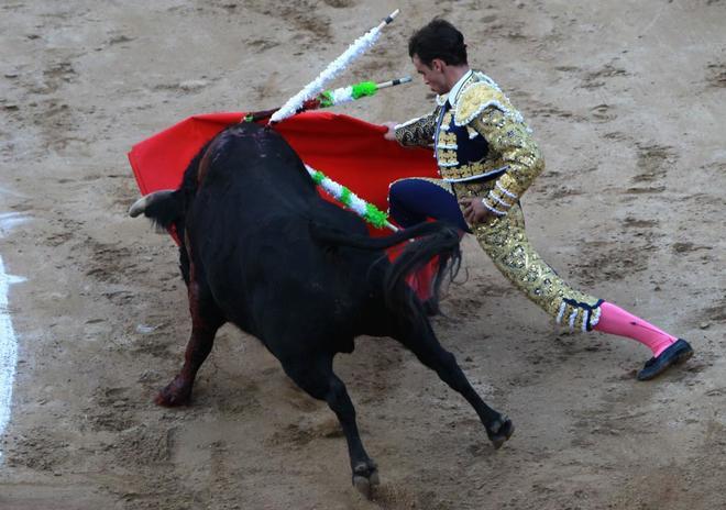 Luis Miguel Castrillón cortó dos orejas a un bravo astado de Achury Viejo
