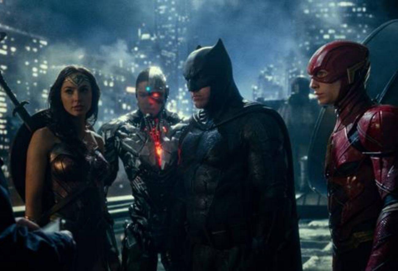¿Nadie la va a decir nunca a Zack Snyder que dirigir películas de...