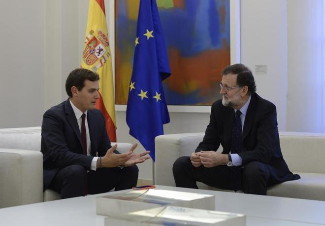 Rajoy y Rivera se reúnen para hablar de Cataluña y de un nuevo sistema de financiación autonómica en 2018