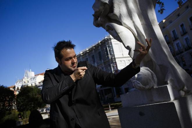 Martín Llande fantasea con conducir una orquesta en las inmediaciones...