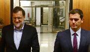 El presidente del Gobierno, Mariano Rajoy, y el presidente de Cs,...