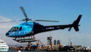 Un helicóptero aterriza en el helipuerto de Cat Helicopters