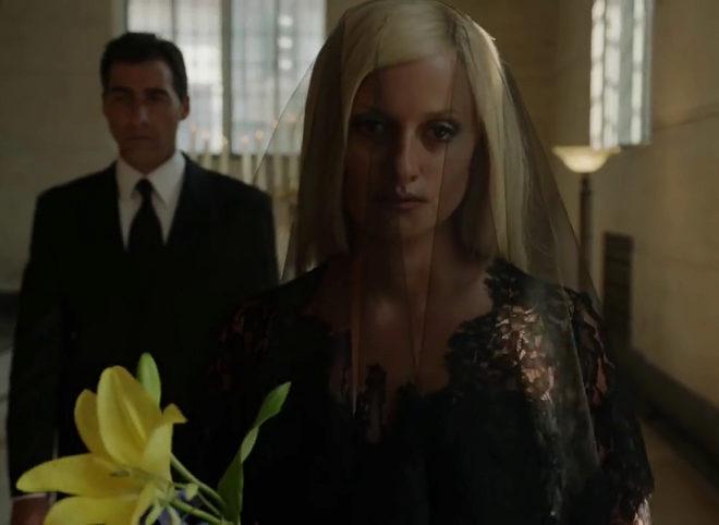 Penélope Cruz en un fragmento de la serie 'El asesinato de Gianni Versace: American Crime Story'.