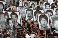 Miles de peruanos marchan en Lima contra el indulto concedido por el presidente Pedro Pablo Kuczynski a Fujimori.