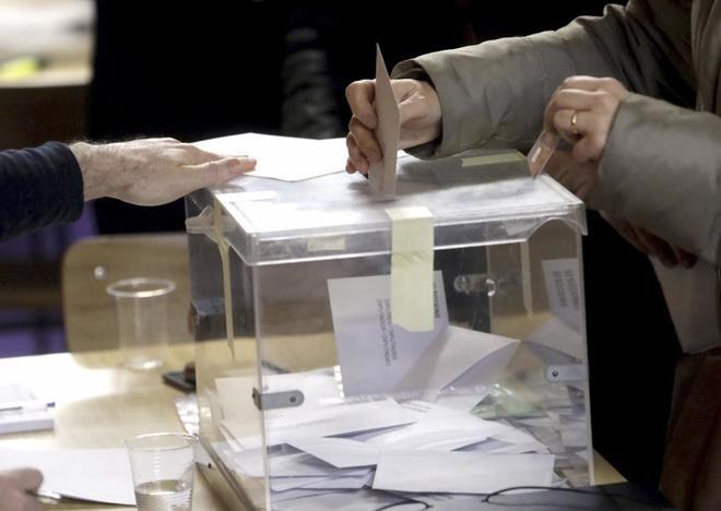 Colegio electoral Santa Marta de Hospitalet para votar en las elecciones 21-D.
