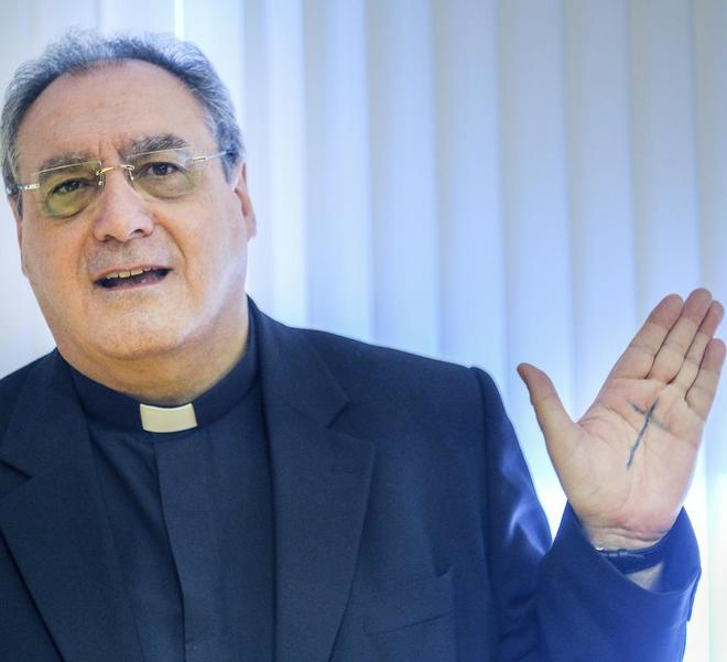 José María Gil Tamayo, secretario general de la Conferencia...