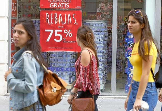 Empiezan las rebajas: H&M, El Corte Inglés y Mango se adelantan