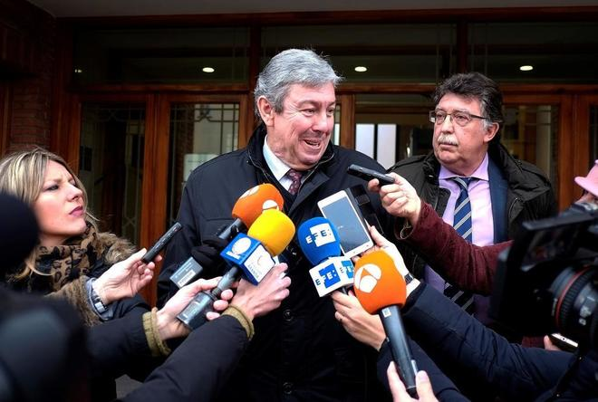 Rafael Uriarte, abogado de uno de los futbolistas encarcelados de la Arandina, tras la sesión de hoy.