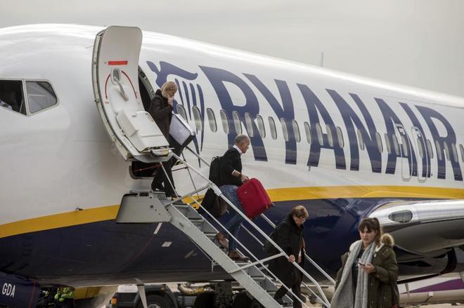 Ryanair apuntala sus rutas en el Reino Unido ante el 'Brexit' con una licencia
