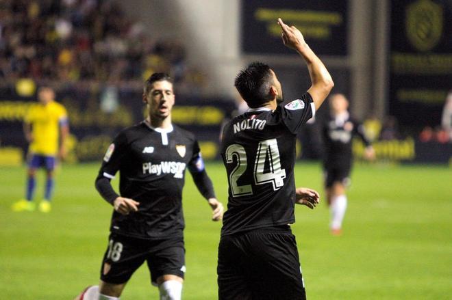 Primera victoria del Sevilla de Montella