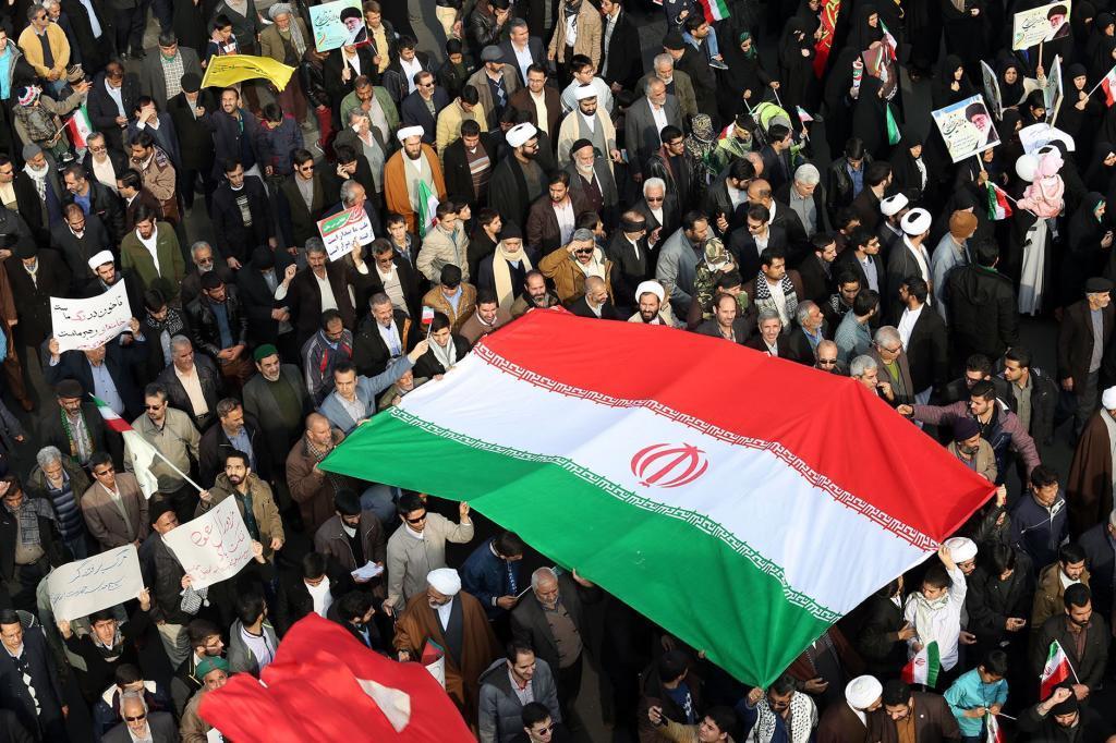 Manifestantes en apoyo del Gobierno de Irán, en la ciudad de Mashhad.