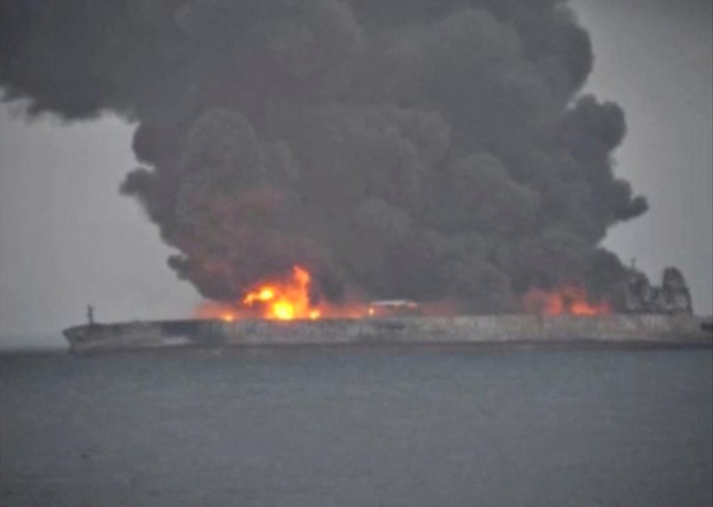 China teme la explosión de un petrolero y un desastre medioambiental en sus costas