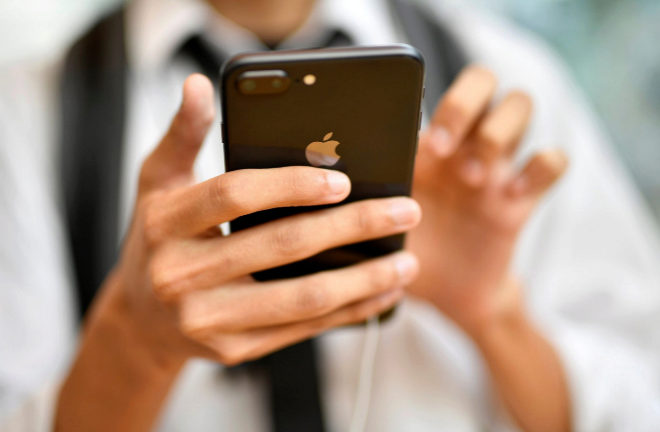La Fiscalía francesa investiga a Apple por