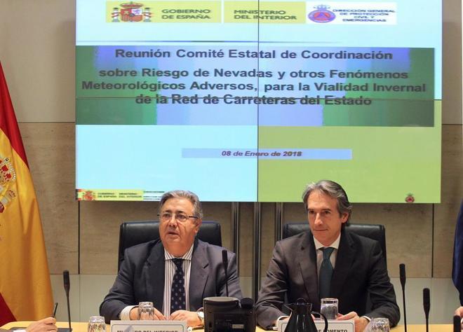 Los ministros de Interior y Fomento, Juan Ignacio Zoido e Íñigo de...