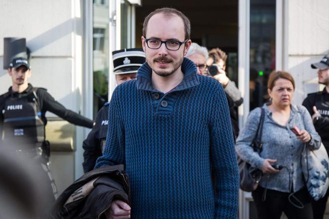 Antoine Deltour, en una imagen de marzo de 2017, tras declarar en el Tribunal de Apelaciones de Luxemburgo.