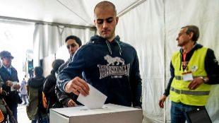 Una de las votaciones organizada por los 'abertzales' para reclamar el...