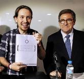 Iglesias, junto a Juan Torres, en la presentación de su documento...