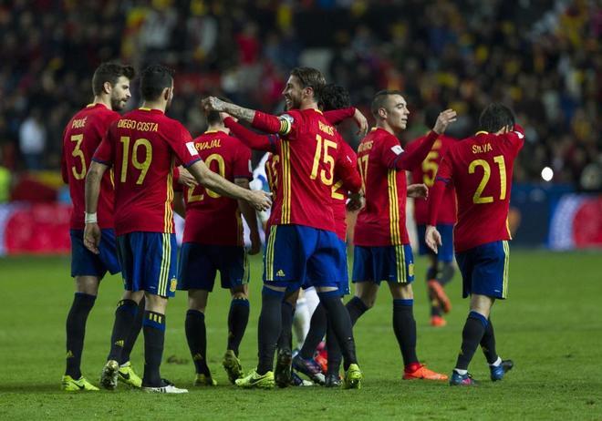 Los jugadores de la Selección española de fútbol, durante un encuentro de este año.