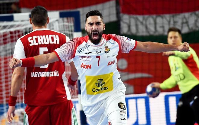 Valero Rivera celebra un gol conseguido ante Hungría, este lunes.