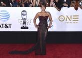 La actriz ha lucido en la alfombra roja de los NAACP Image Awards un...