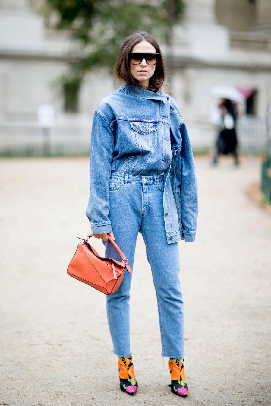 Verónica Heilbrunner en la semana de la moda de Londres, con total look vaquero