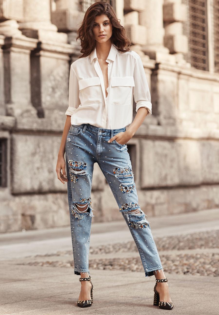 Jeans y camisa blanca de Liu Jo
