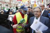 El ministro del Interior, Juan Ignacio Zoido, se dirige a los agentes...