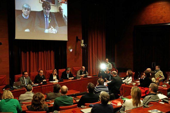 Intervención desde Bruselas de Carles Puigdemont en el acto de JxCat...