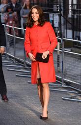La duquesa de Cambridge ha lucido en la visita al hospital infantil...