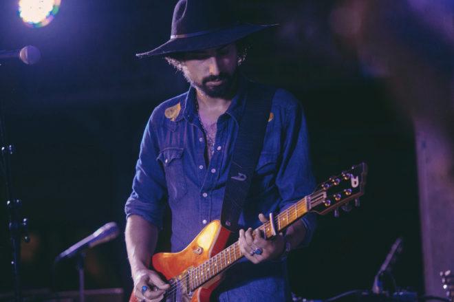El músico Álex Muñoz, durante un concierto en Estados Unidos.