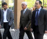 Oriol Pujol y Jordi Turull, en 2011 al acompañar a Daniel Osàcar a declarar ante el  juez durante la instrucción del 'caso Palau'