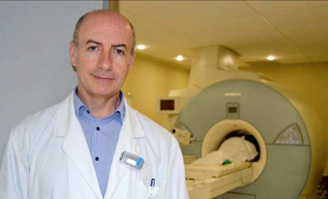 Carlos Casillas, en una imagen de su etapa como jefe de Radiología del Provincial.