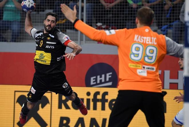 Entrerríos lanza ante Kastelic, este martes en Croacia.