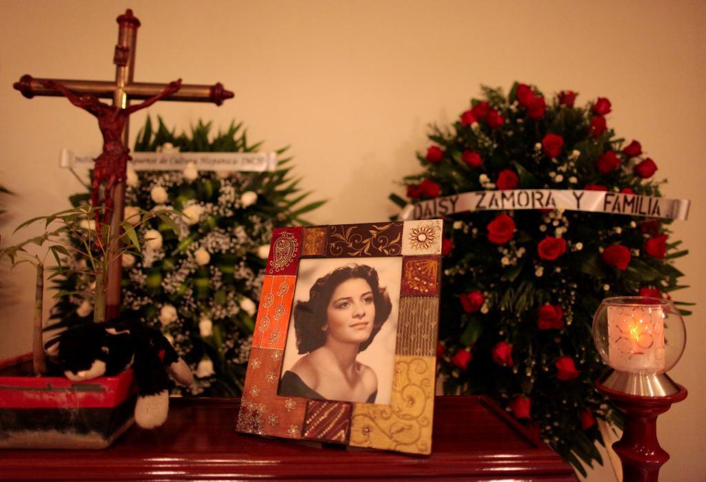 Nicaragua rinde honores a la poetisa Claribel Alegría en la hora de su muerte