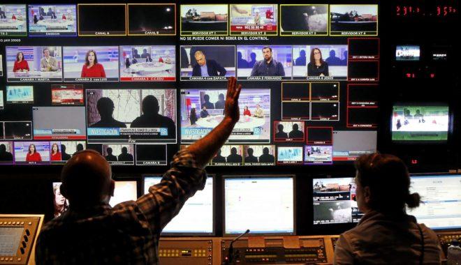 Los dos grandes grupos audiovisuales, Mediaset y Atresmedia, tienen el...