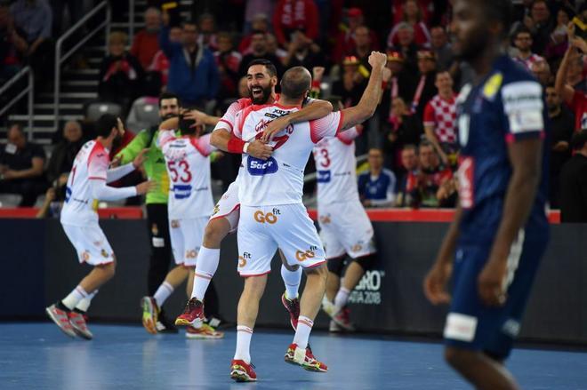 Los jugadores españoles celebran el pase a la final.