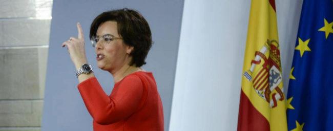 La vicepresidenta del Gobierno, Soraya Sáenz de Santamaría, tras el...