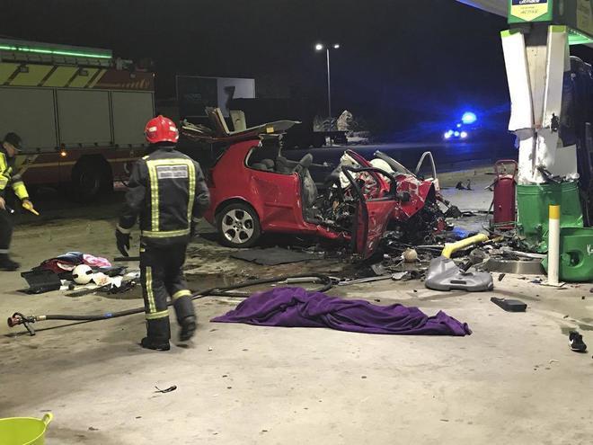 Estado en el que quedó el vehículo que empotró un hombre en una...