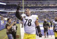 Alejandro Villanueva, tras disputar un encuentro con los Steelers.