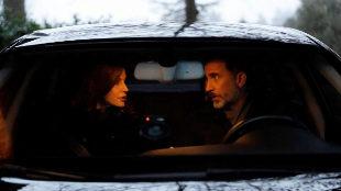 Los Reyes, en el interior de su coche, de camino al colegio de sus...