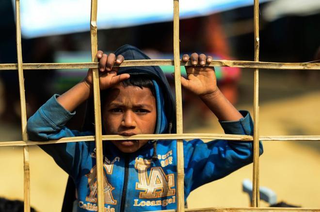 Un niño rohingya en el campo de refugiados de Kutupalong, en Bangladesh.